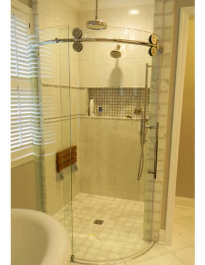 Frameless Pro Glide Curved Shower Door