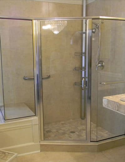 Semi-Framless-Shower-Door-Glass-Panels