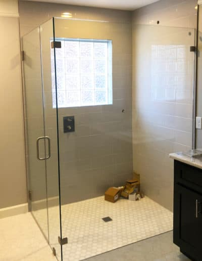 custom-shower-door-glass-design-by-century-glass
