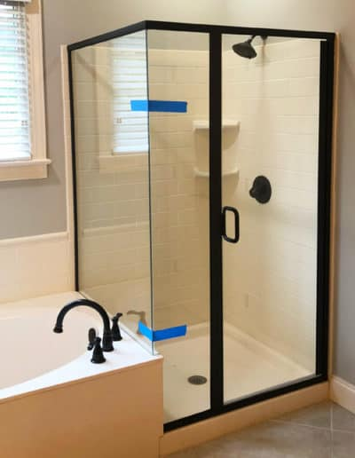 shower-doors-semi-framed-by-century-glass-south-carolina