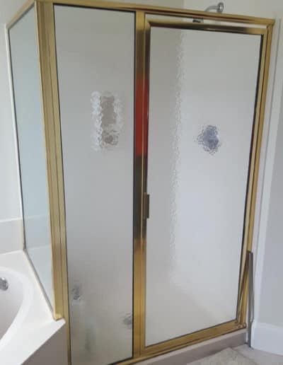 Retrofit-frameless-shower-door-beofre