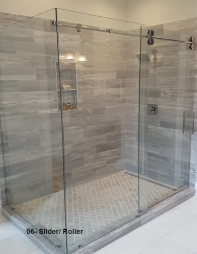 Frameless shower sliding doors